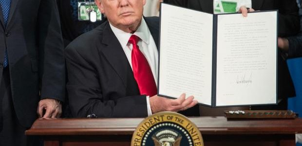 SHARE: Top 4 Media Lies About the Trump Immigration Ban