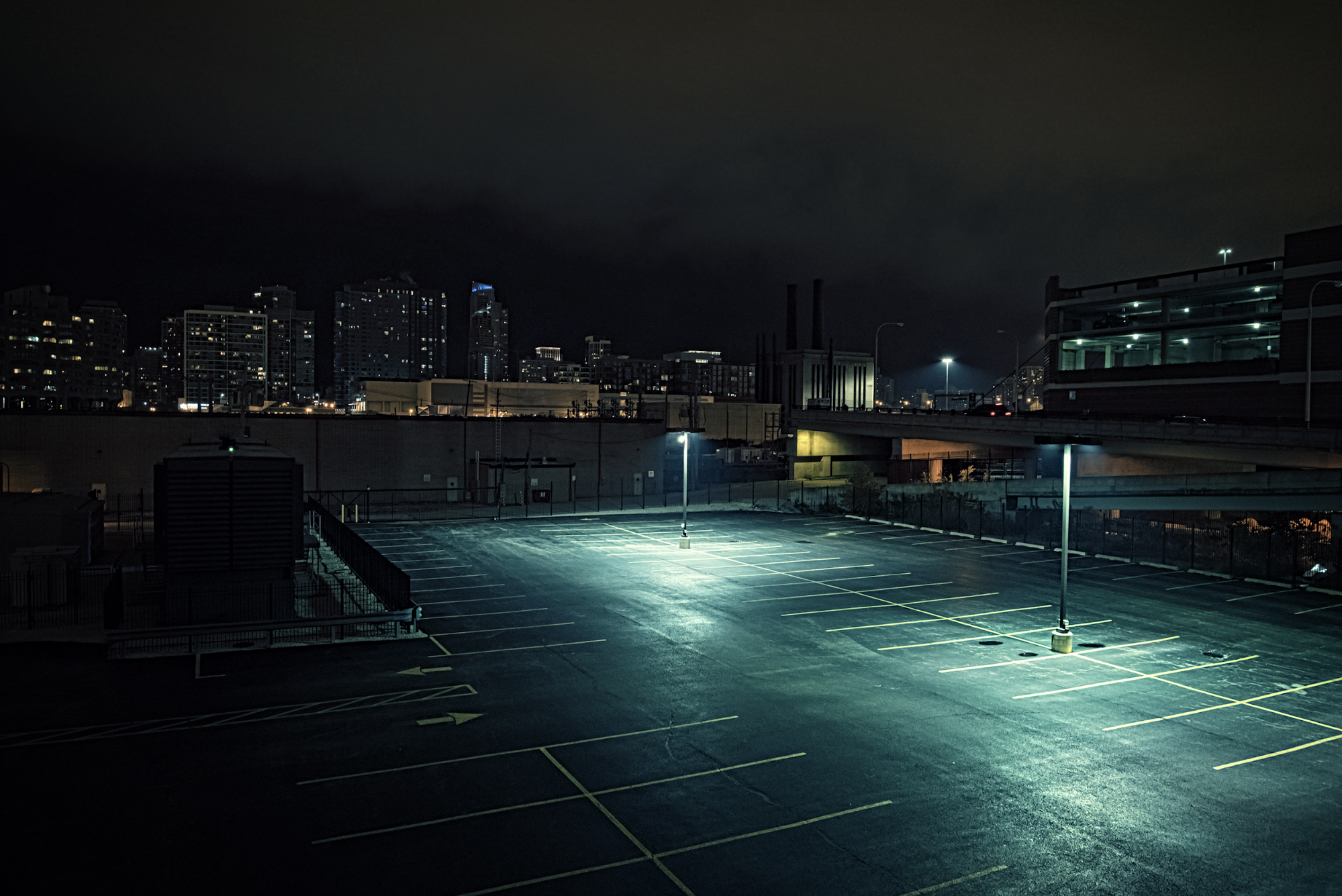 7 Proven Ways to Stay Safe and Protect Yourself in a Parking Lot